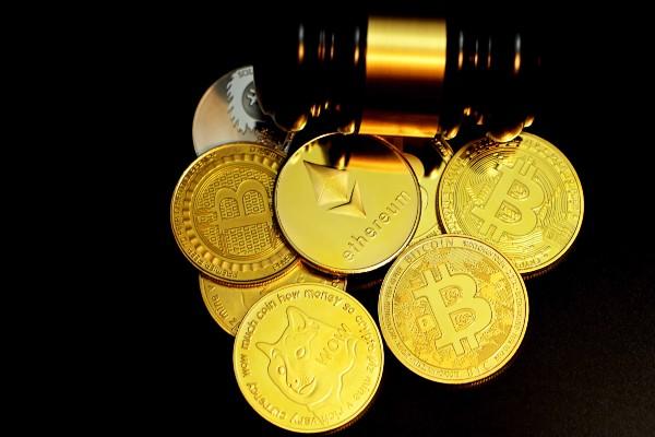 Nasce il crypto wine per scambiare bottiglie e NFT
